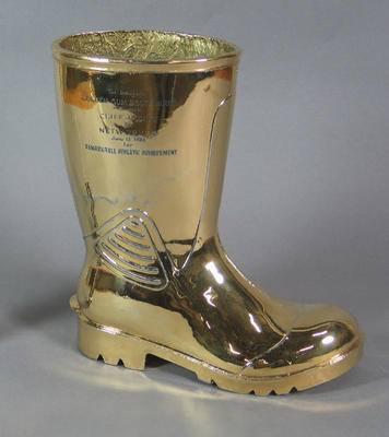 Golden Gumboot Award, presented to Cliff Young in 1983