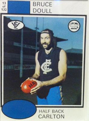 1975 Scanlens VFL Football Bruce Doull trade card