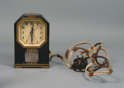 Trophy clock presented to Eric Gibaud,  Kew Golf Club Open Meeting, 5th November 1935