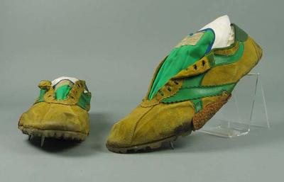 Pair of shoes worn by Jim Thomson, 1984 Stawell Invitation Backmarkers' Handicap