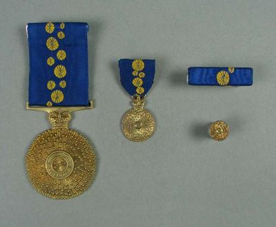 Order of Australia medal, presented to Cliff Young in 1984