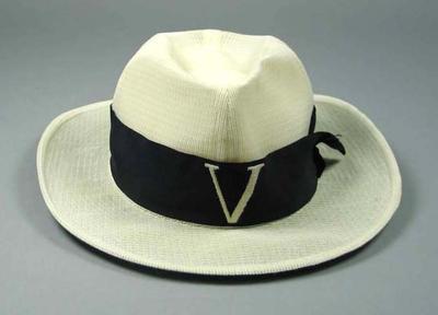 Hat with hatband inscribed 'V' worn by Glen Bosisto, lawn bowls Victoria