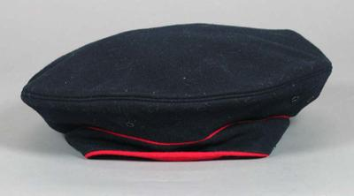 US First Marines dress uniform hat peak cover, associated with the military occupation of the MCG; Clothing or accessories; M15905
