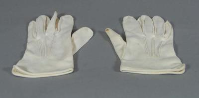 US First Marines dress uniform gloves, associated with the military occupation of the MCG