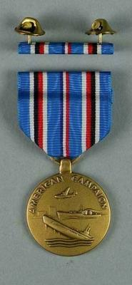 Facsimile US First Marines American Campaign medal and bar, associated with the military occupation of the MCG; Trophies and awards; M15911