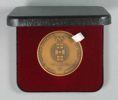 Bronze medallion, International Olympic Symposium 1990