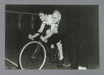Photograph of Dunc Gray at start of 1932 Olympic Games 1000m time trial