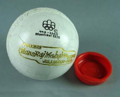 Hockey ball, signed by Australian 1976 Montreal Olympic Games team; Sporting equipment; 1992.2665