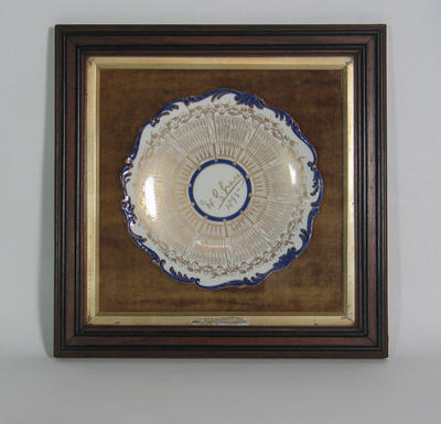 Gilded Coalport plate Plate, W G Grace - Century of Centuries; Trophies and awards; M5375