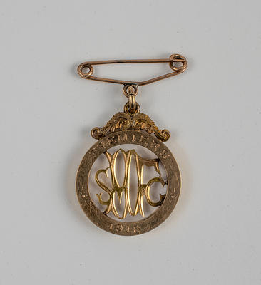 South Melbourne FC 1918 Premiership medal, presented to Jack Marshall