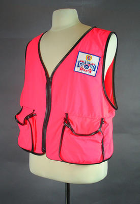Photographer's vest, 1990 AFL Grand Final; Clothing or accessories; 1999.3527.1