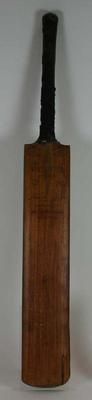 Cricket bat used  and autographed by Bill Ponsford, made by Gunn & Moore.