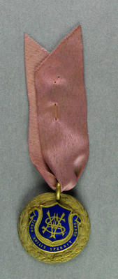 Badge, VASA medal with pink ribbon - Melbourne, 10 December 1958; Trophies and awards; 1986.1256.19