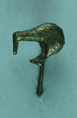 Stick pin, small silver kiwi