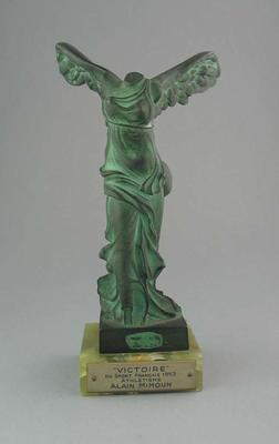"""Trophy presented to Alain Mimoun, """"Victorie"""" Du Sport Francais 1953; Artwork; Trophies and awards; 1999.3586.1"""