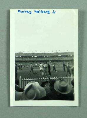 Photograph of Murray Halberg competing at 1956 Olympic Games, MCG; Photography; 1999.3585.10