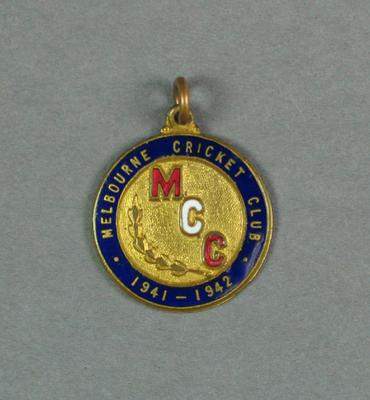 Melbourne Cricket Club membership badge, season 1941-42