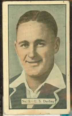 1936-37 Allen's Cricketers Len Darling trade card