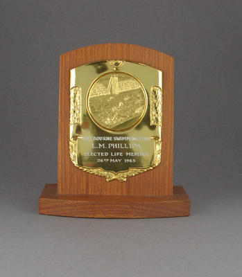 Melbourne Swimming Club life membership plaque, awarded to Les Phillips May 1963