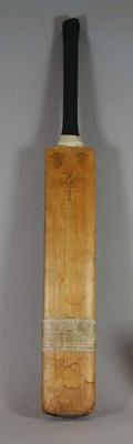 Cricket bat used and autographed by John Reid, New Zealand cricket player