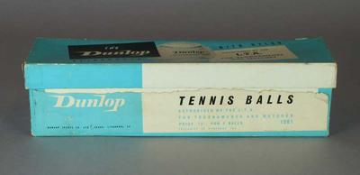 Dunlop Tennis Ball box with tennis balls
