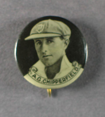 Badge with image of Arthur Chipperfield, 1934