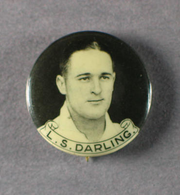 Badge with image of Len Darling, 1934