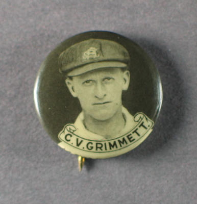 Badge with image of Clarrie Grimmett, 1934