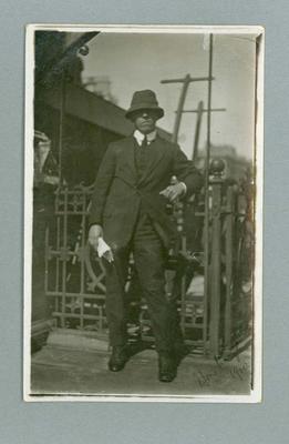 Postcard, image of Frank Beaurepaire at Hastings - 1 July 1910