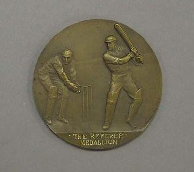 Engraved medallion and case - The Referee Medallion - Warren Bardsley, 1925-26 Sheffield Shield; Trophies and awards; M16568