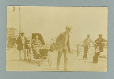 Postcard, depicts Frank Beaurepaire riding in a carriage - Hastings, 1910