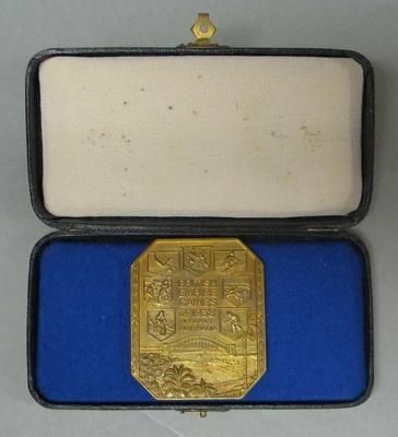 Competitor's medallion issued to Elsie May Jones, IIIrd British Empire Games, 1938; Trophies and awards; 2005.4213.14