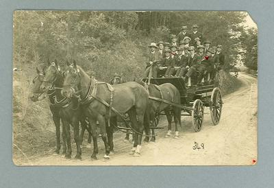Postcard, image of large group on horse and cart - Hobart, 1913