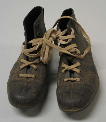 Child's football boots, Ron Barassi brand