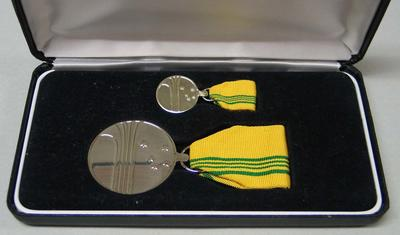 Australian Sports Medal, presented to Vern Barberis - 2000
