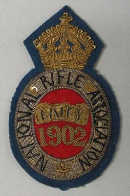 Bullion badge National Rifle Association, Bisley 1902, won by William Todd