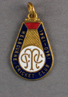 Melbourne Cricket Club country membership badge, season 1940/41
