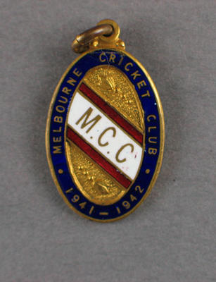 Melbourne Cricket Club membership badge, season 1941/42