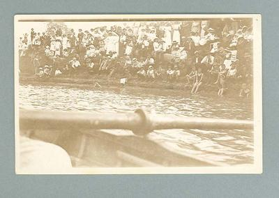 Postcard, image of swimmers & spectators at the river - Swan Hill, 1914