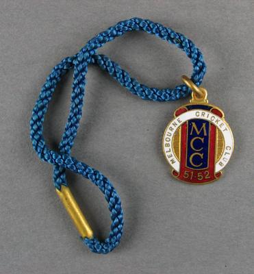 Melbourne Cricket Club country membership badge, season 1951/52