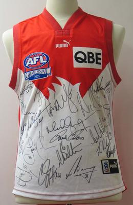 Autographed match-worn Sydney Swans guernsey worn by Paul Williams during the 2005 Premiership.