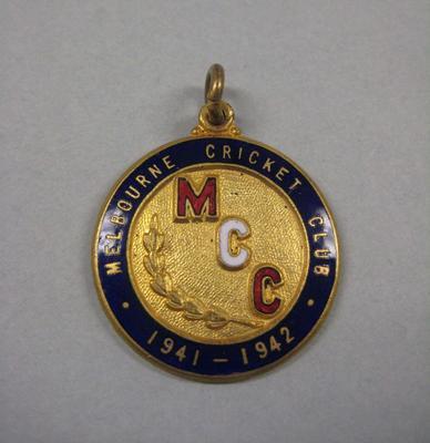 Melbourne Cricket Club membership medallion, season 1941/42