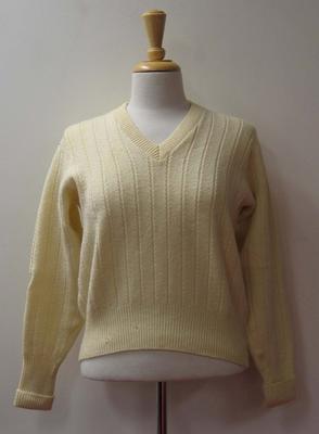 Woollen cricket jumper worn by Patricia Thomson, c.1950s-1960s