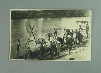 Postcard, image of Murray River sports carnival at Yarrawonga