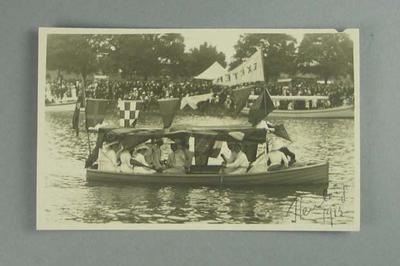 Postcard, image of Henley Royal Regatta 1913; Documents and books; 1986.1304.213