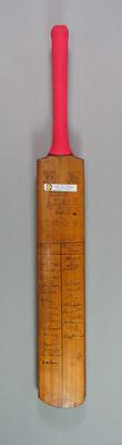 Cricket bat autographed by Australian, Indian, Sth African, English & West Indian cricketers, c1946-50
