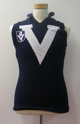 Victorian guernsey worn by Alex Jesaulenko, Victoria v Western Australia, 1976