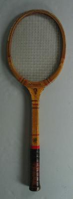 Hedley brand tennis racquet endorsed by Dennis 'Dinny' Pails, c. 1950s.