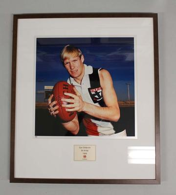 Framed reproduction photograph of  Carl Ditterich, St Kilda F.C. from Scanlens 1966 Flag Series football cards