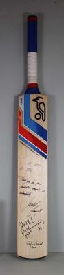 Cricket bat autographed by Cadel Evans, 2014
